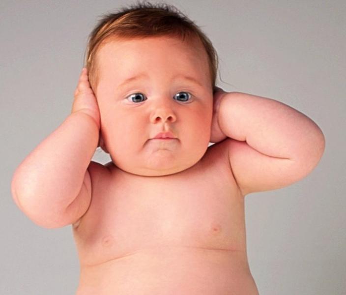 Malocclusioni, denti storti, otiti ricorrenti nei neonati e nei bambini, tosse e difficoltà di deglutizione a tavola: ecco le possibili cause